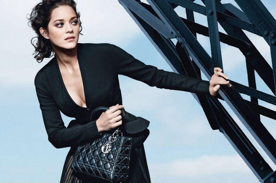 Marion Cotillard, égérie des sacs Lady Dior depuis 2008