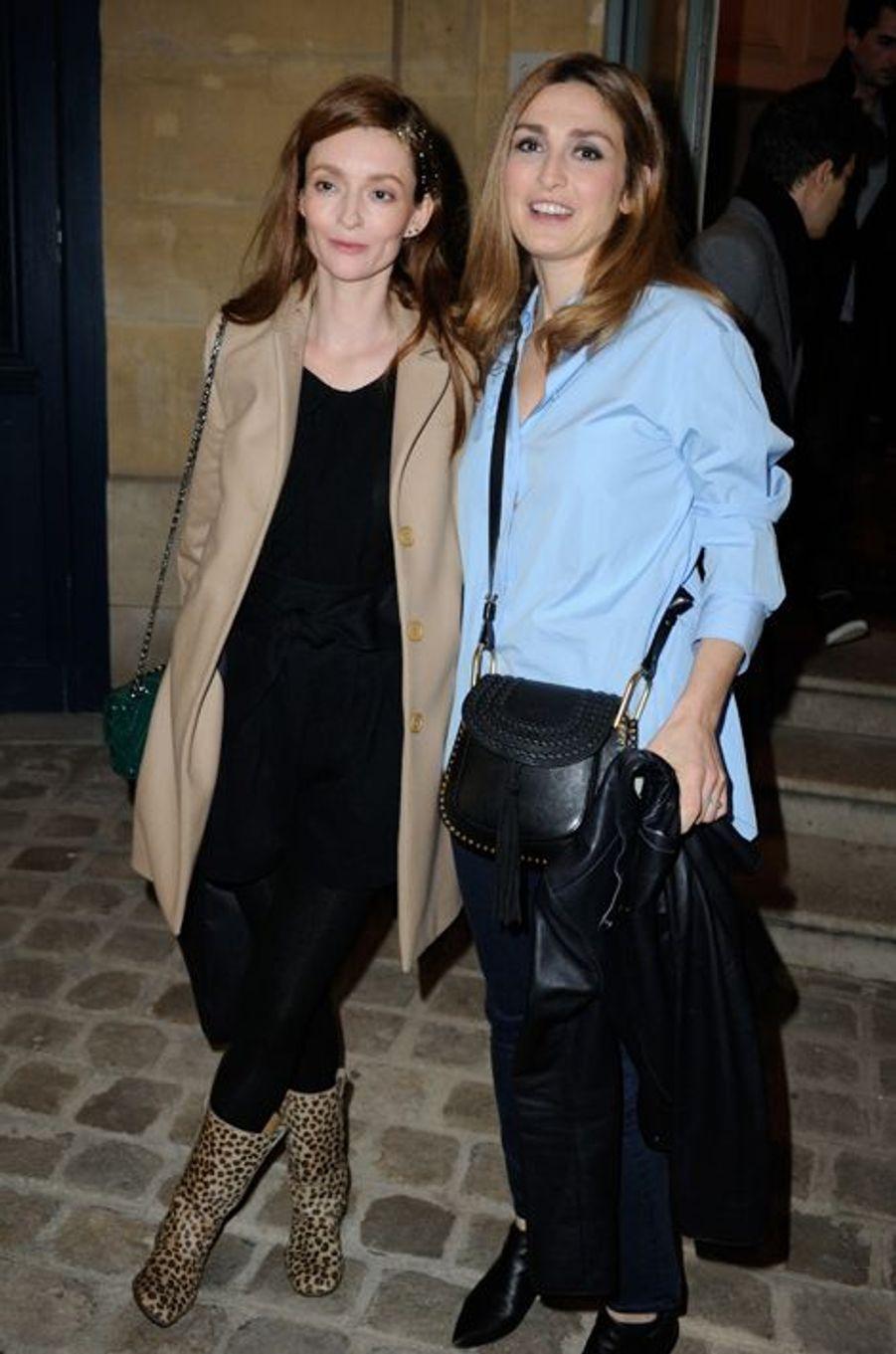 Audrey Marnay et Julie Gayet au défilé Alexis Mabille