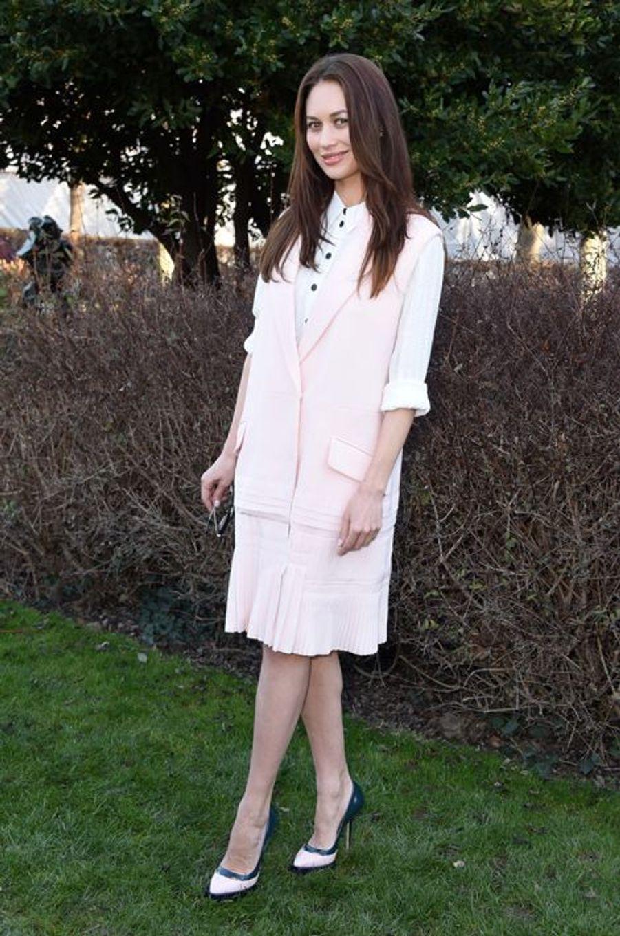 Olga Kurylenko au défilé Christian Dior