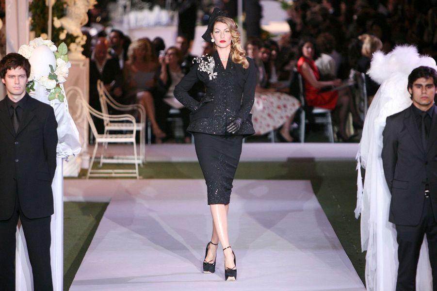Au défilé Dior Haute Couture par John Galliano en juillet 2007 à Paris