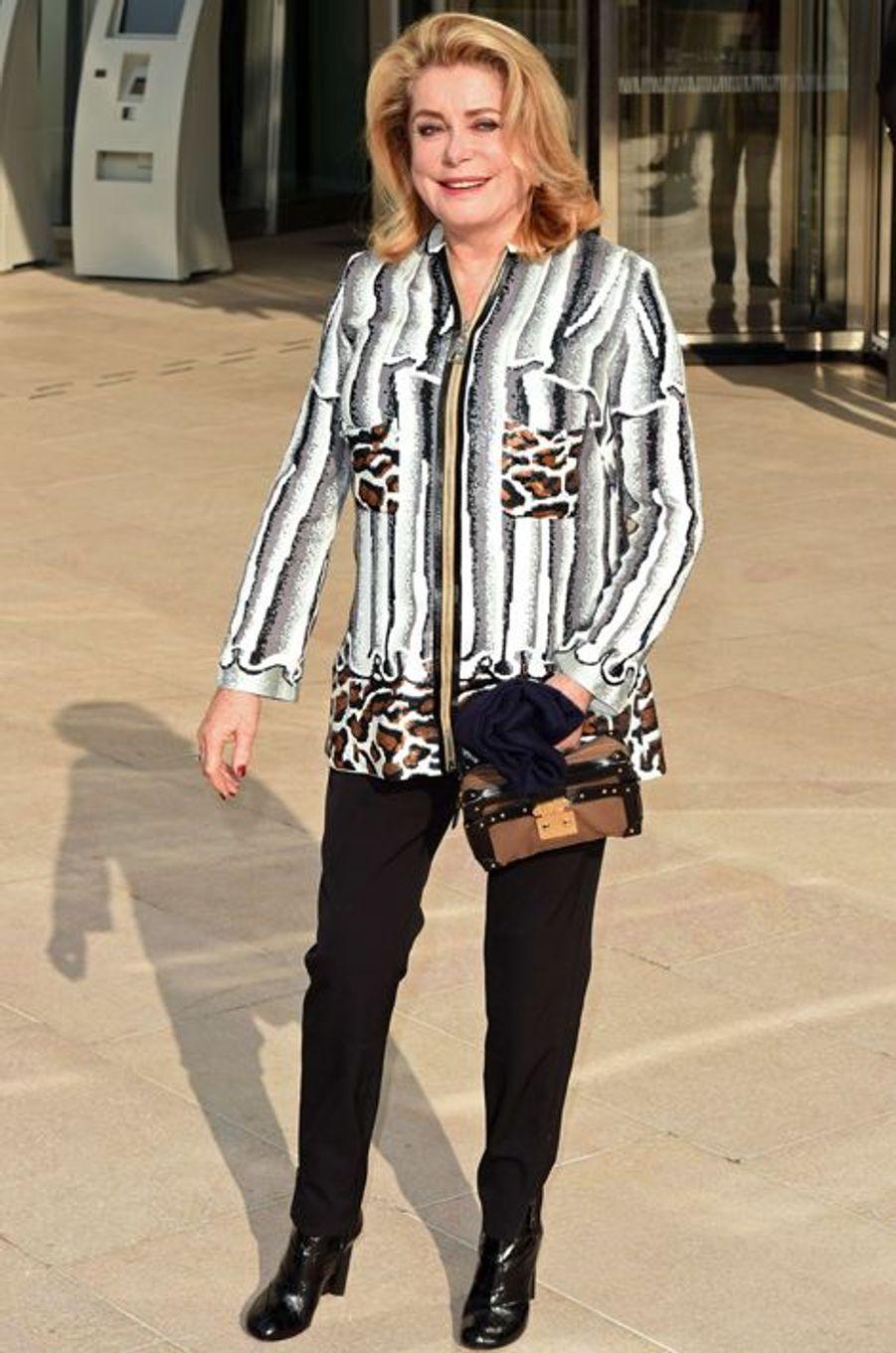 Catherine Deneuve au défilé Louis Vuitton