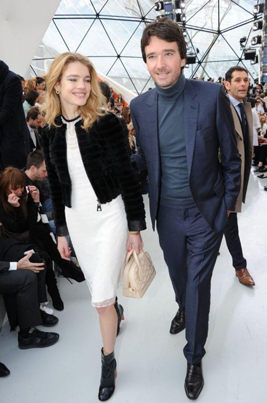 Natalia Vodianova et Antoine Arnault au défilé Louis Vuitton