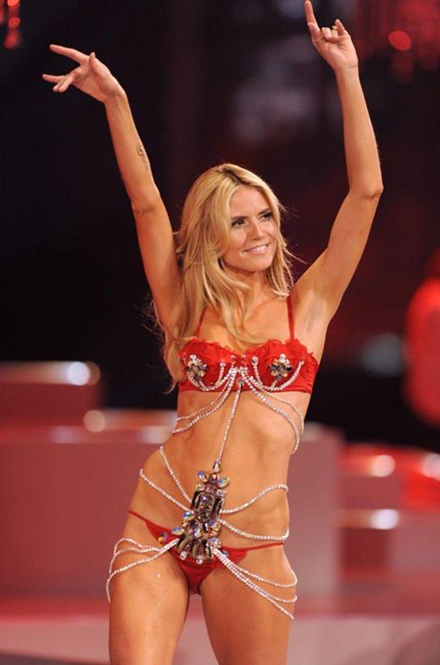 En novembre 2008 pour Victoria's Secret