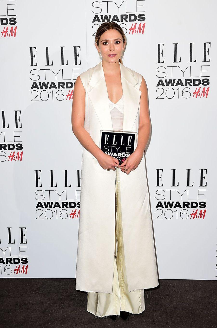 Elizabeth Olsen à Londres le 23 février 2016