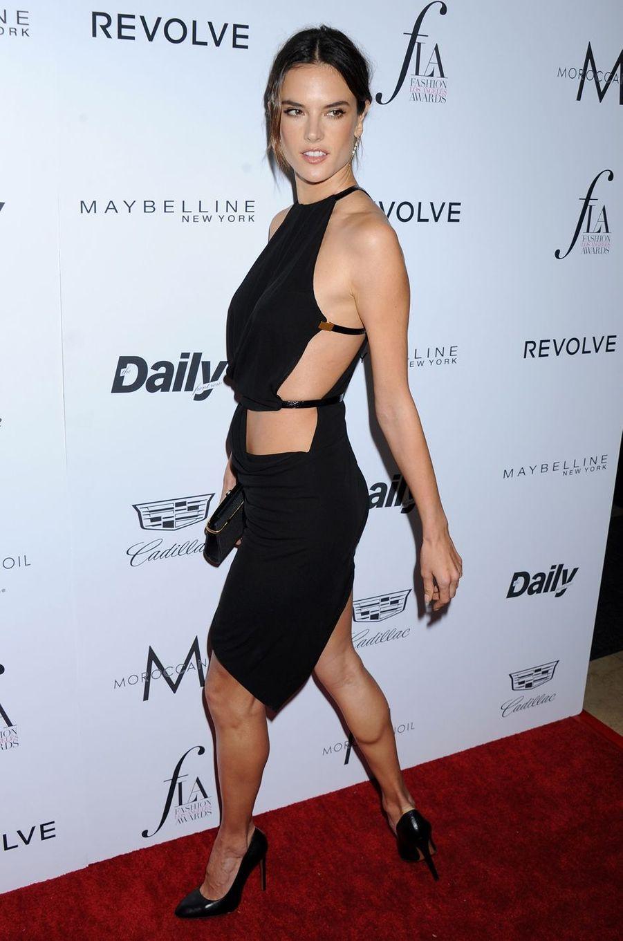 Alessandra Ambrosio à Los Angeles le 20 mars 2016
