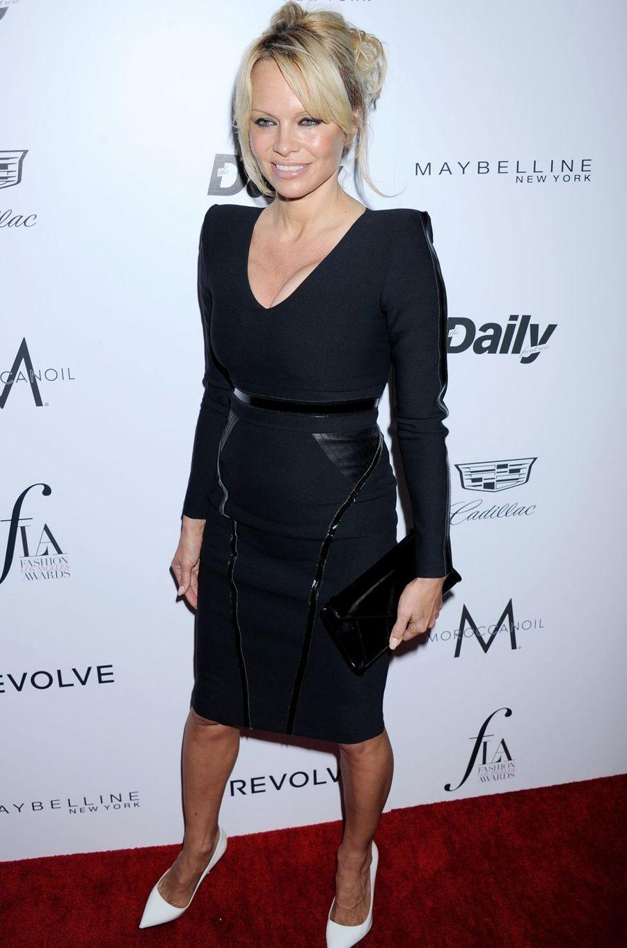 Pamela Anderson à Los Angeles le 20 mars 2016