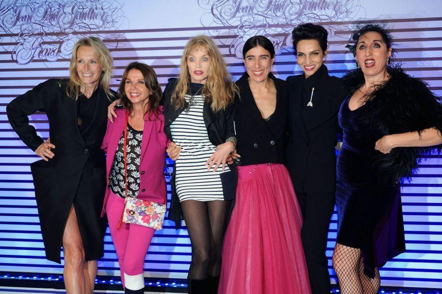 Estelle Lefébure, Victoria Abril, Arielle Dombasle, Blanca Li, Farida Khelfa et Rossy De Palma à Paris le 30 mars 2015