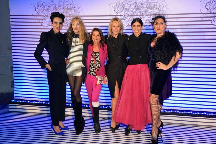 Farida Khelfa, Arielle Dombasle, Victoria Abril, Estelle Lefébure, Blanca Li et Rossy De Palma à Paris le 30 mars 2015