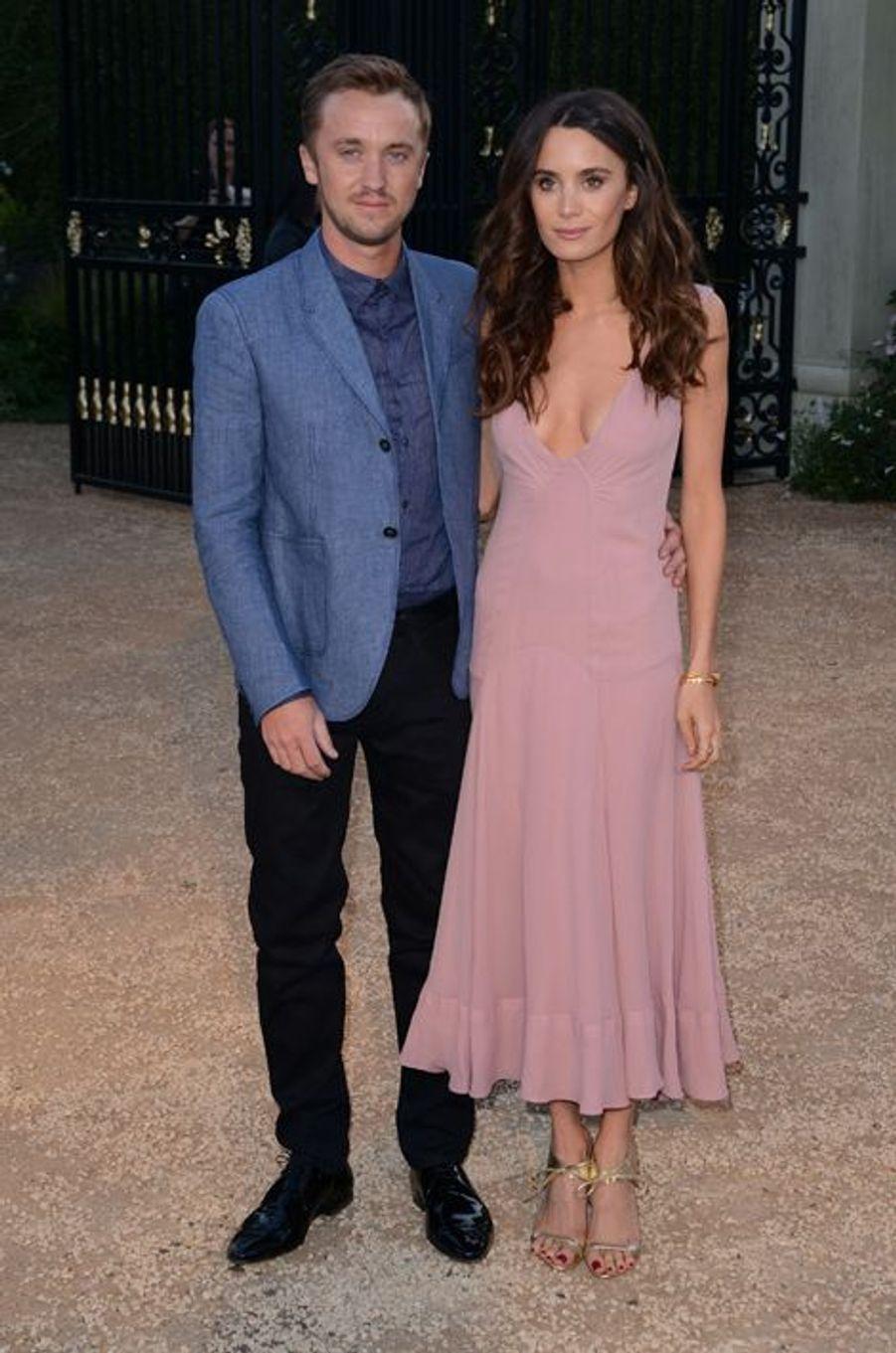 Tom Felton et sa petite amie Jade Olivia à Los Angeles le 16 avril 2015
