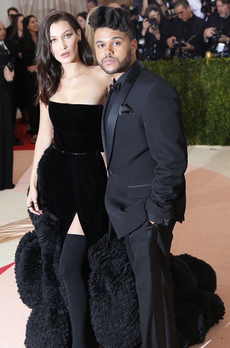The Weeknd et sa compagne la sublime Bella Hadid au gala du MET, le 2 mai 2016