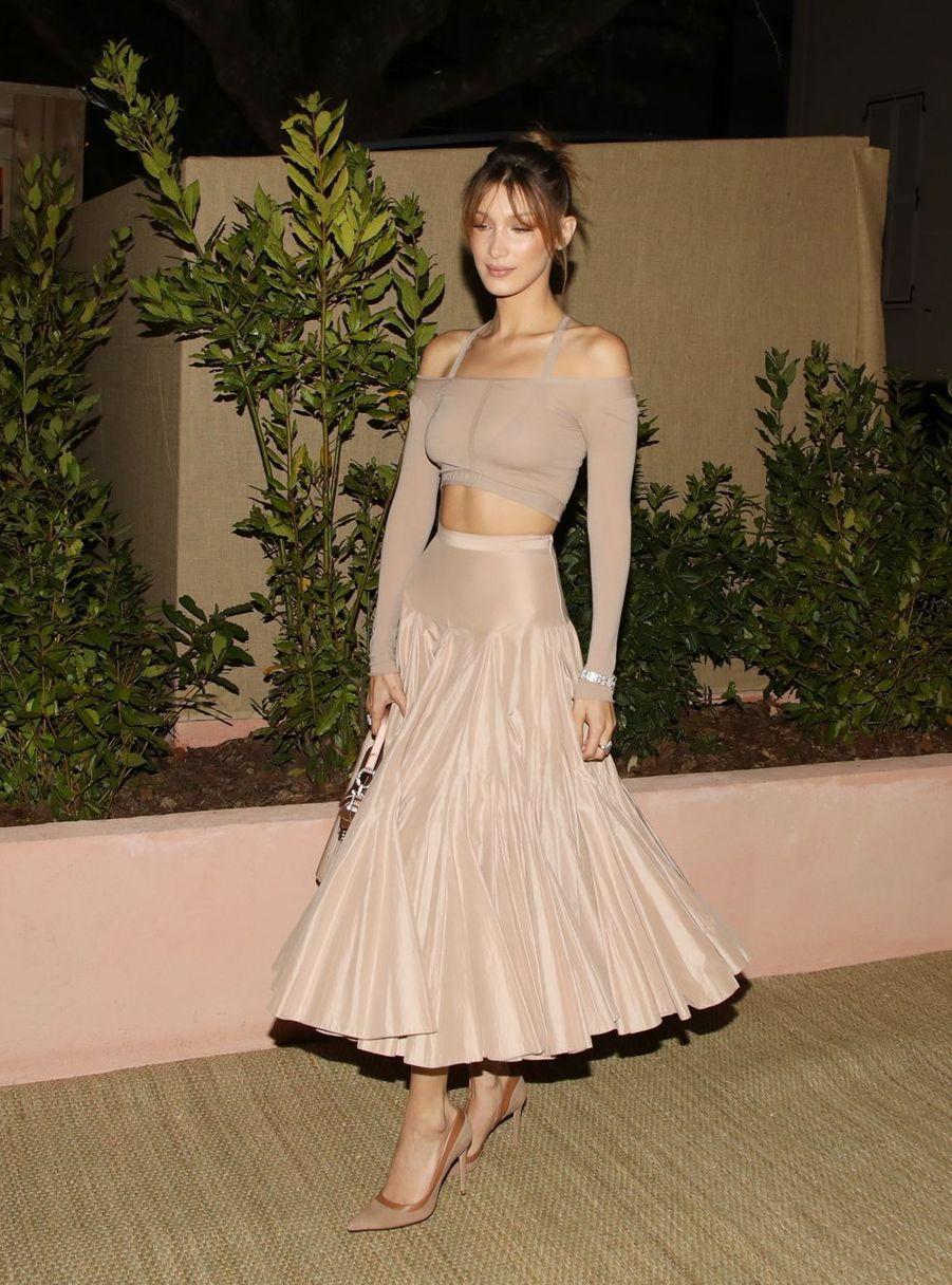 Bella Hadidà la soirée organisée par Dior et «Vogue» au restaurantFred l'écaillerlors du 72e Festival de Cannes le 15 mai 2019