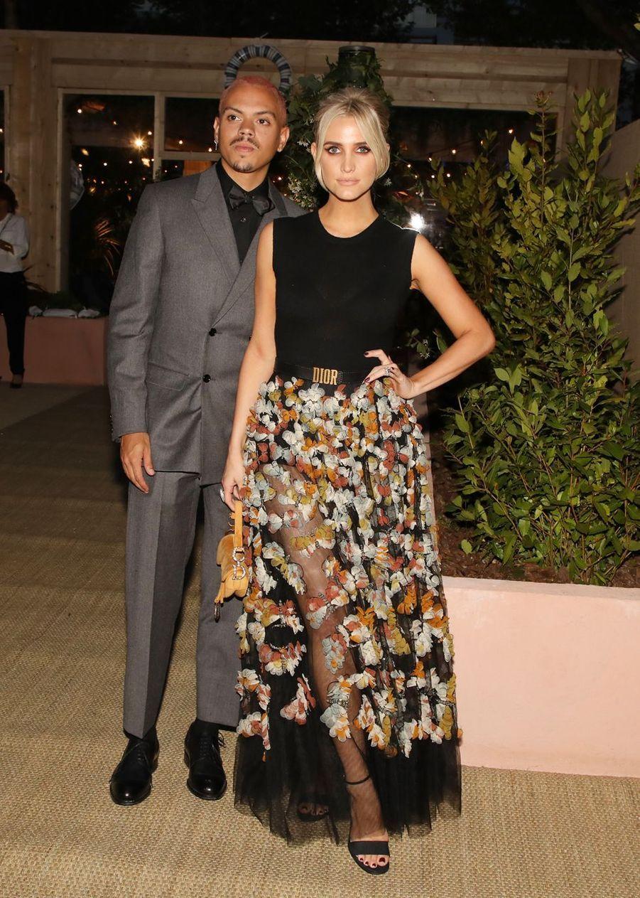 Evan Ross et Ashlee Simpson à la soirée organisée par Dior et «Vogue» au restaurant Fred l'écaillerlors du 72e Festival de Cannes le 15 mai 2019