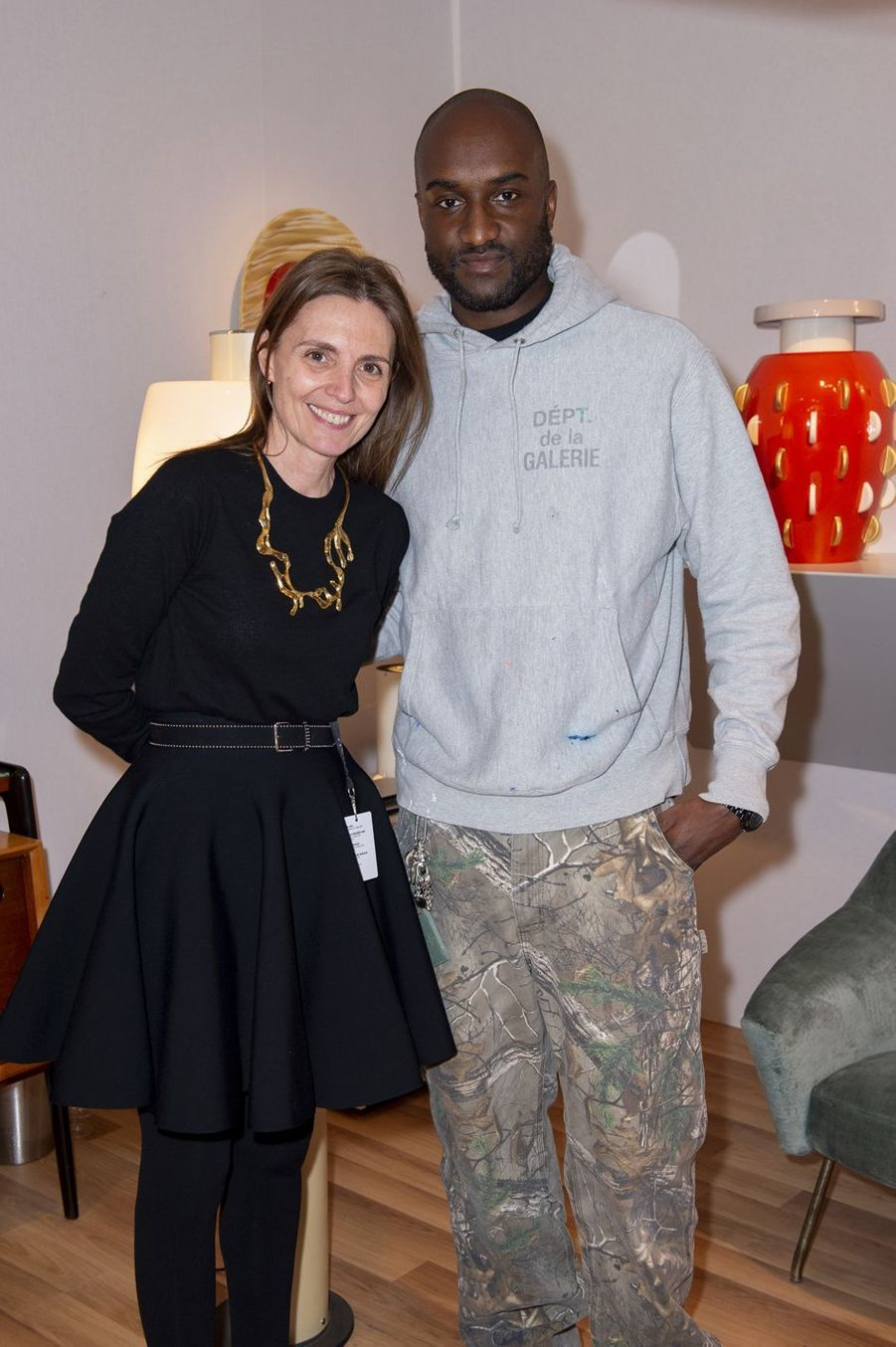 Clémence Krzentowski et Virgil Abloh lors du salon PAD (Paris Art Design) à Paris le 3 avril 2019.