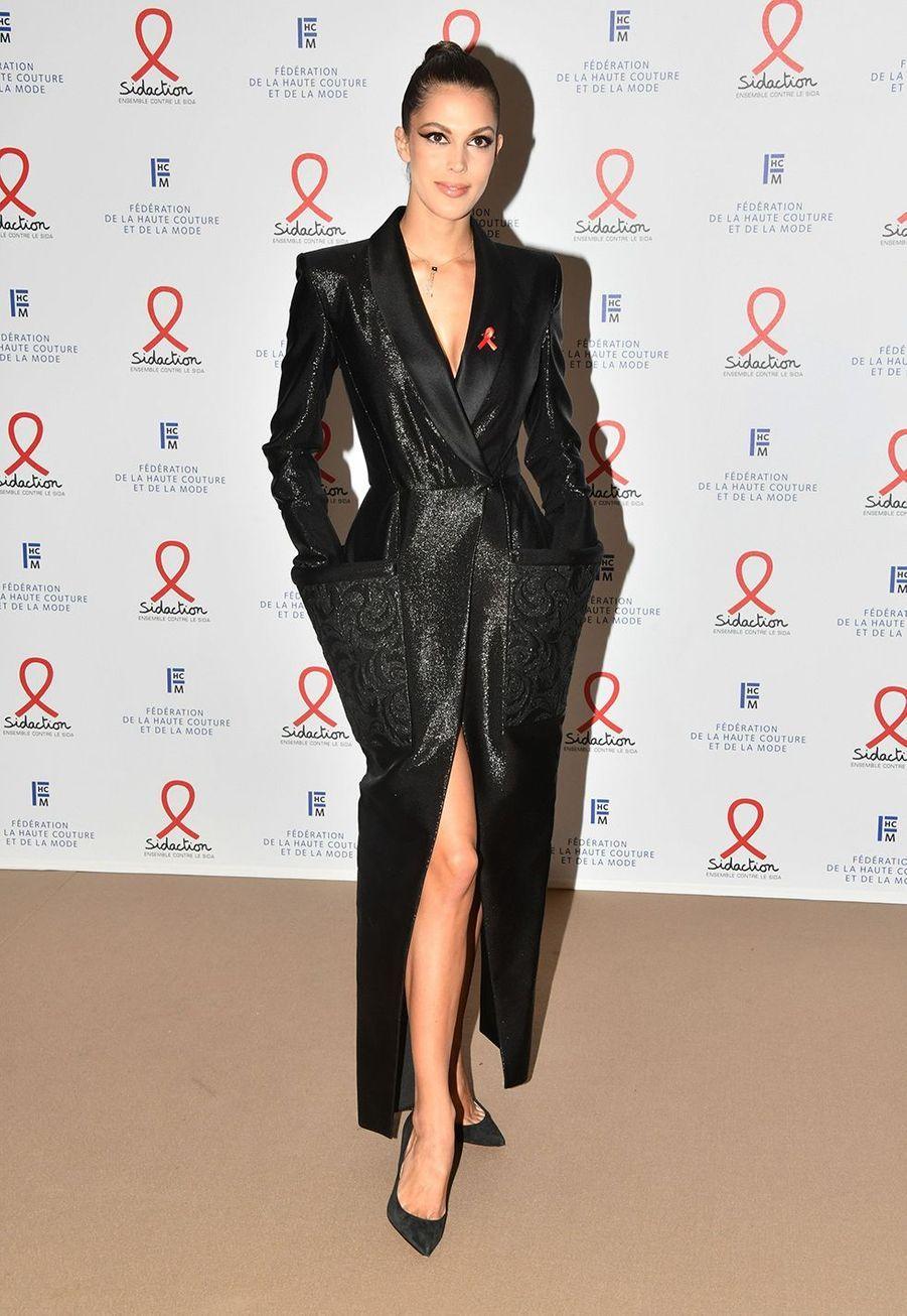 """Iris Mittenaerelors du """"Dîner de la mode du Sidaction"""" à Paris, le 23 janvier 2020."""