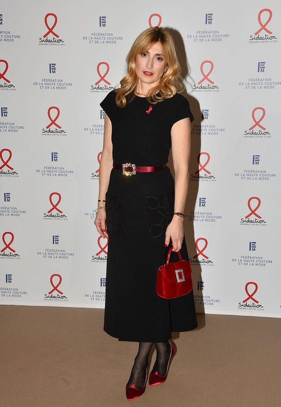 """Julie Gayetlors du """"Dîner de la mode du Sidaction"""" à Paris, le 23 janvier 2020."""