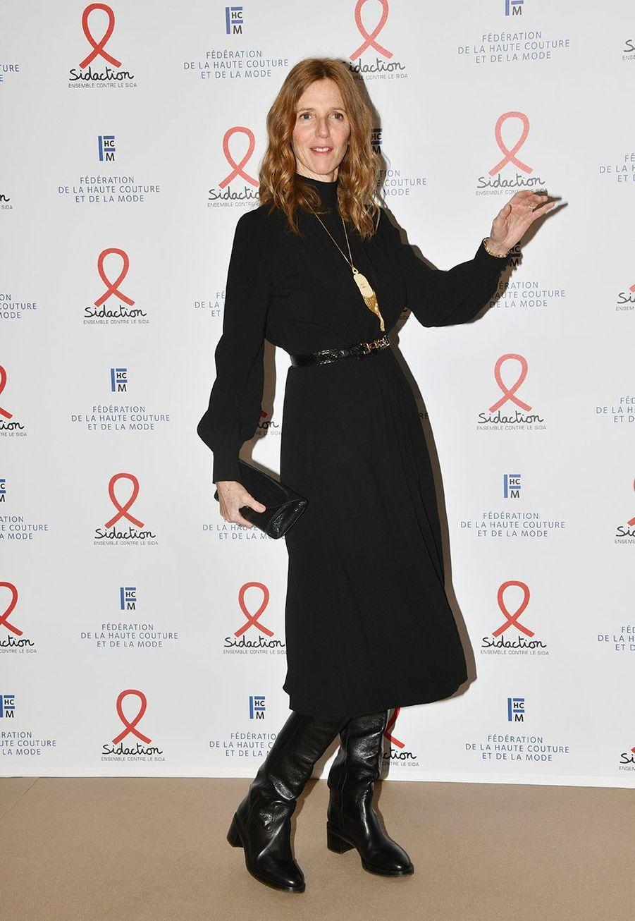 """Sandrine Kiberlainlors du """"Dîner de la mode du Sidaction"""" à Paris, le 23 janvier 2020."""
