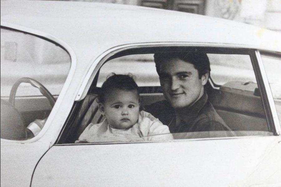 Monica Bellucci, enfant avec son père