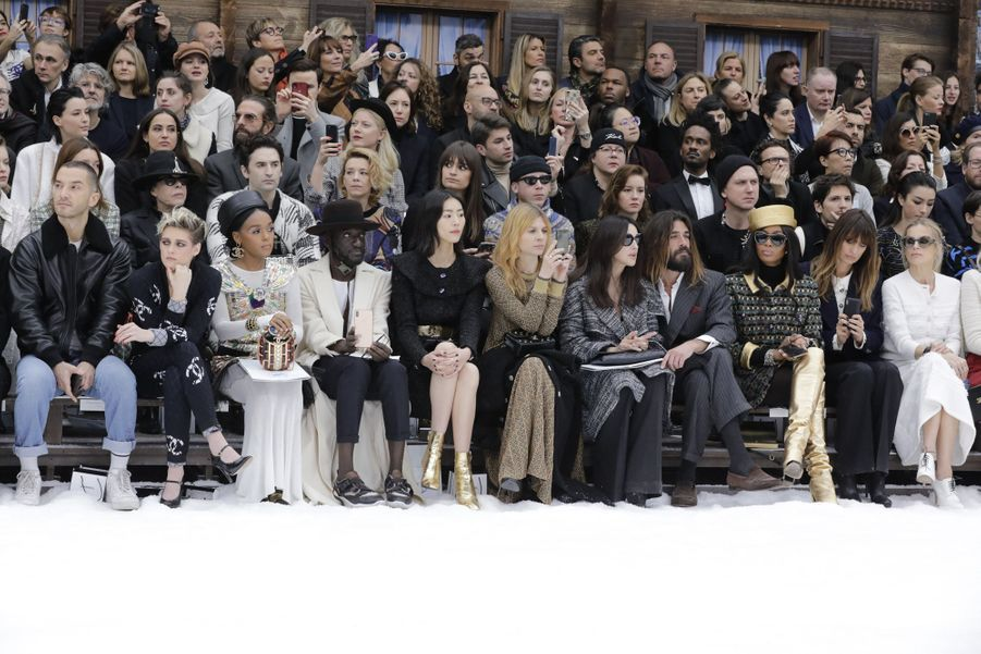 Les stars au premier rang du défilé Chanel au Grand Palais à Paris le 5 mars 2019