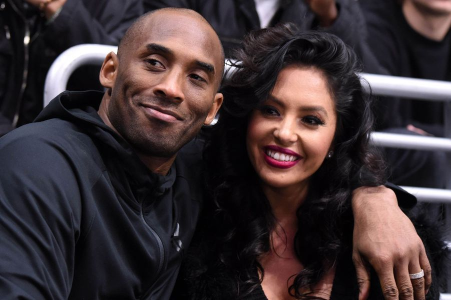 Kobe et Vanessa Bryant lors d'un match au Staples Center à Los Angeles le 9 mars 2016