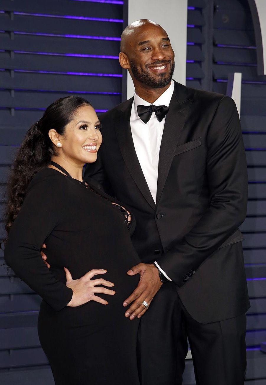 Vanessa (alors enceinte de Capri, leur quatrième fille) et Kobe Bryant lors de l'after-party des Oscars à Los Angeles le 24 février 2019