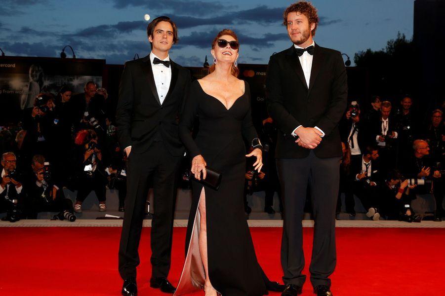 Susan Sarandon et ses deux fils, Jack et Miles.