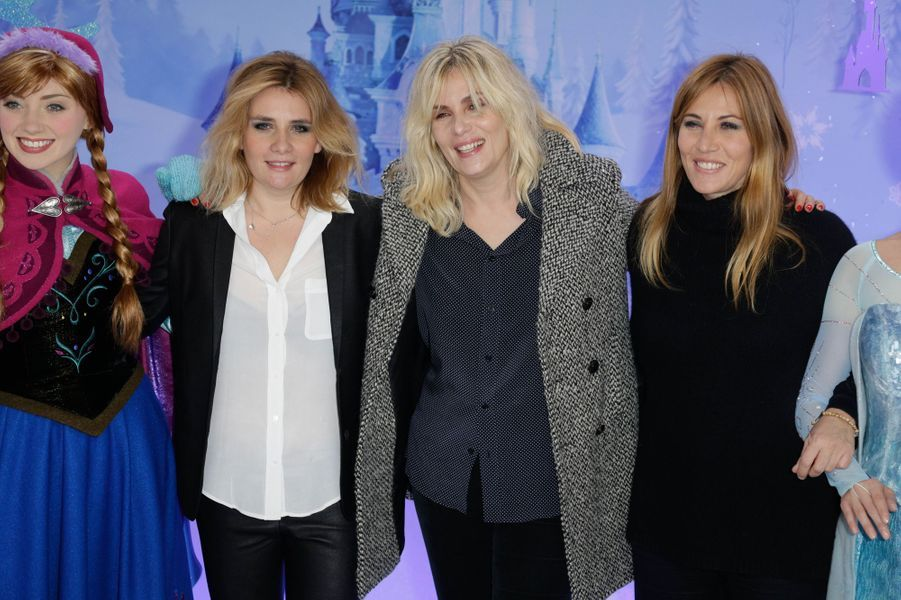 Marie-Amélie, Emmanuelle et Mathilde Seigner au lancement des festivités de Noël à Disneyland Paris, le 16 novembre 2014