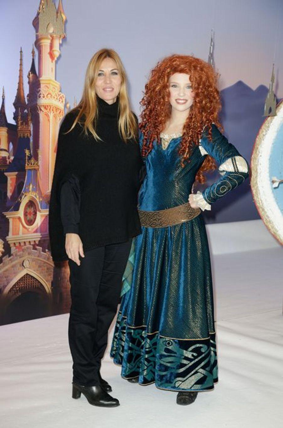 Mathilde Seigner au lancement des festivités de Noël à Disneyland Paris, le 16 novembre 2014