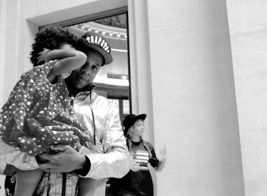 Jay Z et Blue Ivy lors de leur visite du Louvre