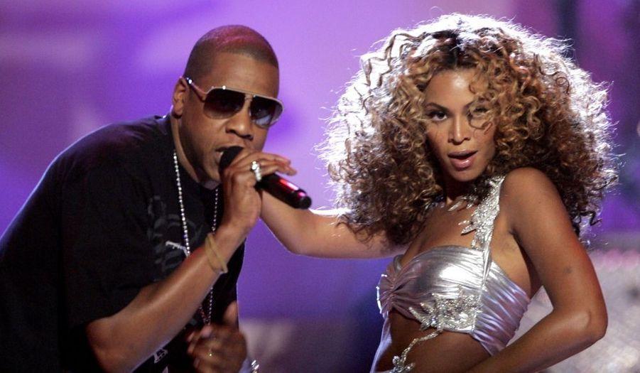 """En septembre, Beyonce et Jay-Z avaient tenu un dîner de collecte de fonds pour la campagne de Barack Obama, à New York. La soirée avait lieu au 40/40 Club, où les billets étaient vendus à 40 000 dollars. """"Je ne peux vous dire à quel point nous sommes fiers d'accueillirl'évènementde ce soir"""", a déclaré la chanteuse de 30 ans. """"Nous croyons à sa vision"""" (celle d'Obama), a-t-elle ajouté. La soirée a permis de récolter quatre millions de dollars. (Photo d'illustration)"""