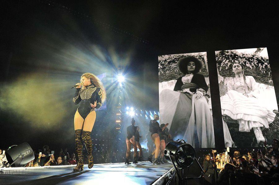 Beyoncé sur la scène du Marlins Park de Miami, le 27 avril 2016