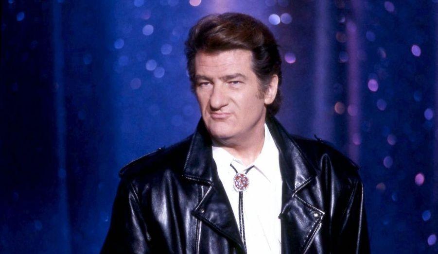 Le chanteur s'empare de la deuxième place, après une triomphale tournée d'adieu dans toute la France.