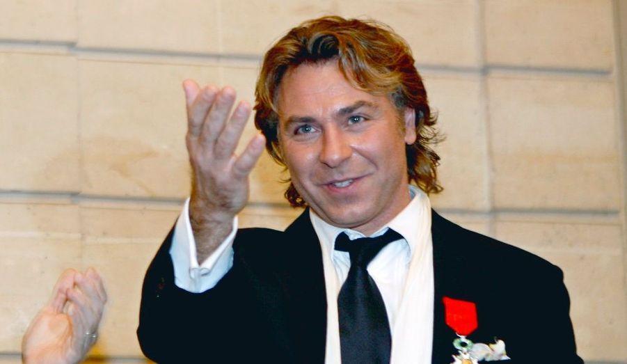 """Le chanteur d'opéra fait son entrée dans le top grâce à son album de variété, """"Pasion"""", et une tournée à succès, avec 1,6 millions d'euros, selon """"Challenges""""."""