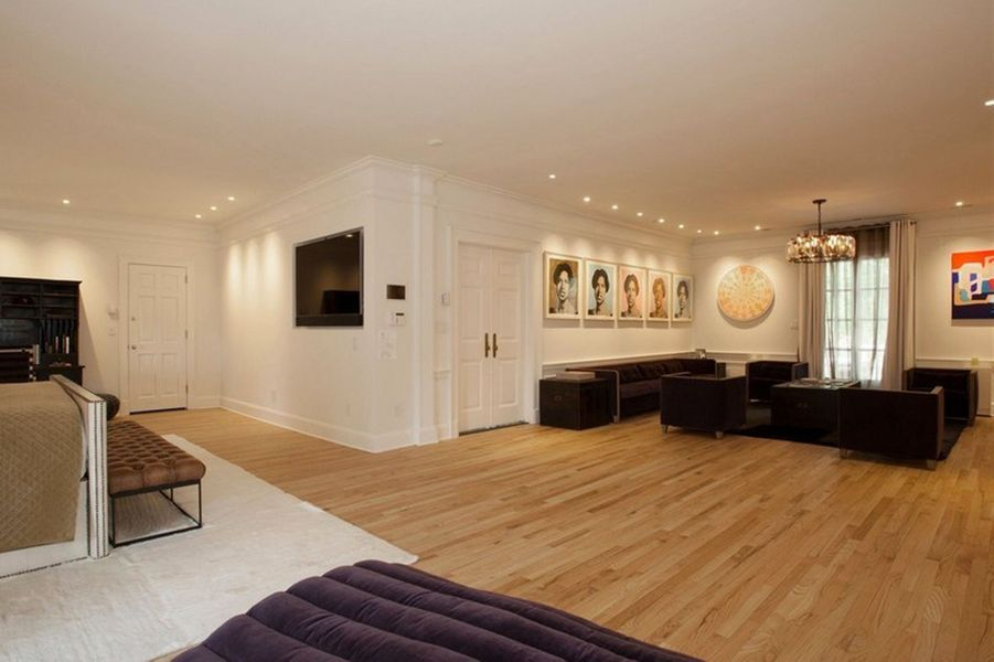 La chanteuse soul et le producteur ont fait plusieurs rénovations dans leur manoir d'Englewood dans l'espoir de réaliser une plus-value de 2,5 m...