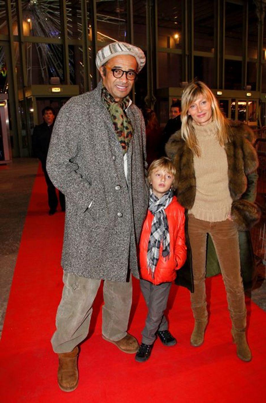 Avec Isabelle Camus et leur fils Joalukas à Paris, décembre 2011