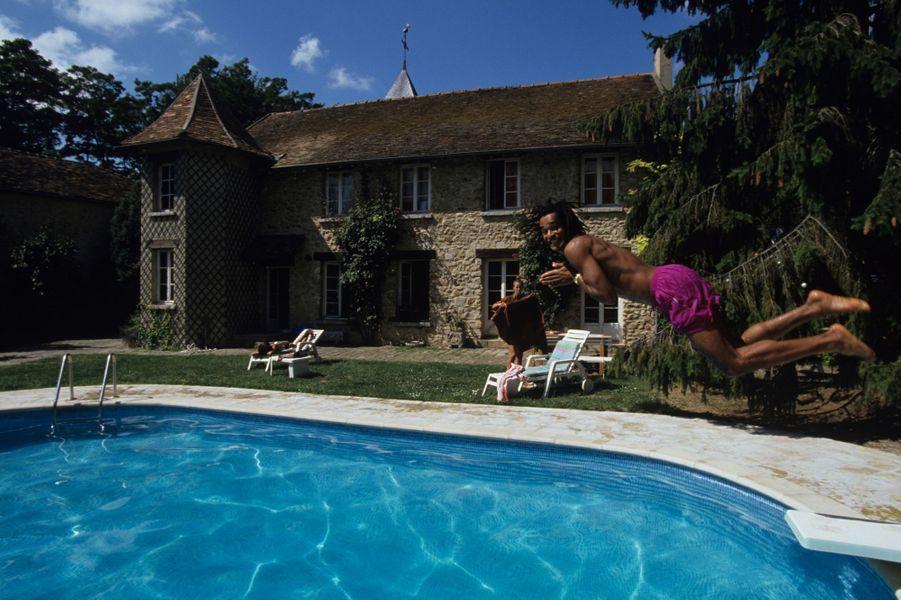Dans sa maison à Nainville-les-Roches, 1991