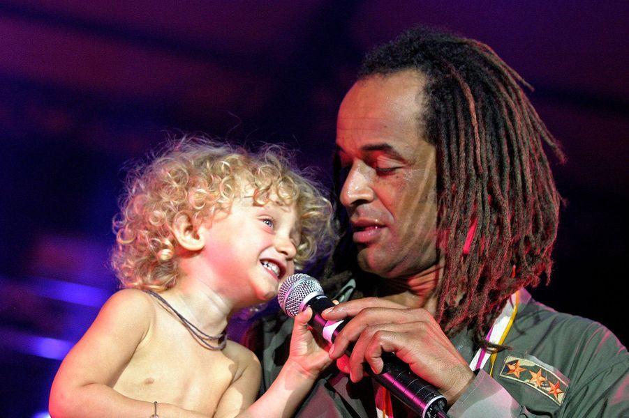 En concert dans l'Aude avec son fils Joalukas, juillet 2006