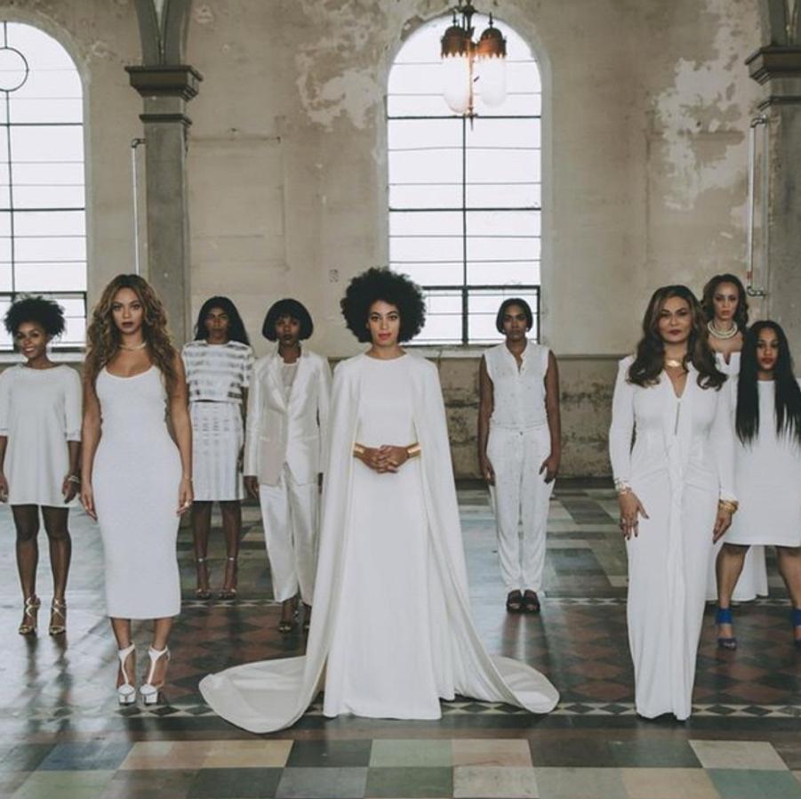 Solange Knowles entourée de ses demoiselles d'honneur à la Nouvelle-Orléans le 16 novembre 2014