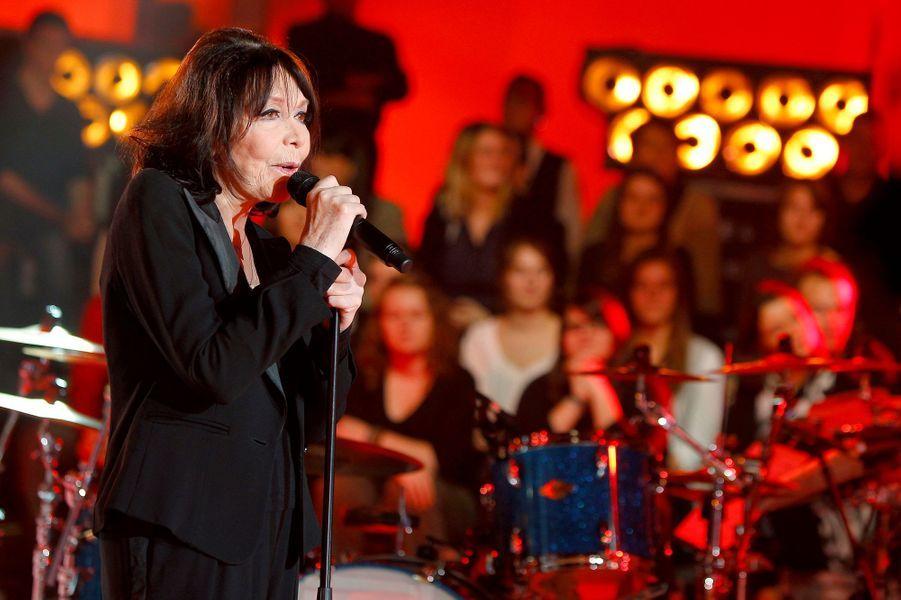 En 2003, Juliette Greco confie l'écriture, la composition et la réalisation de plusieurs titres de son album «Aimez-vous les uns les autres ou bien disparaissez...».