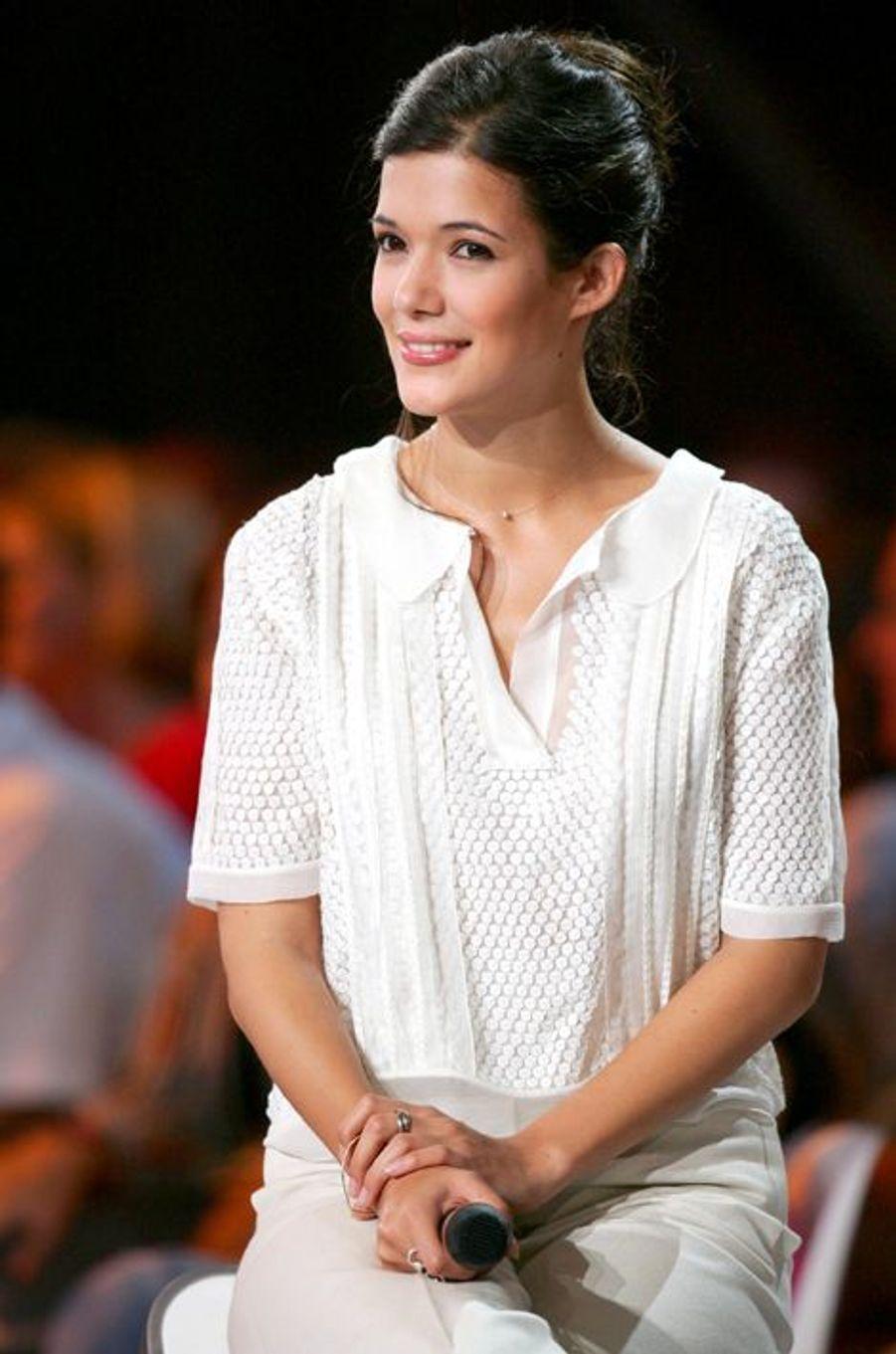 En 2008, Benjamin Biolay écrit la chanson du film «Le Bal des actrices», «Le pin-up du mois», interprétée par l'actrice Mélanie Doutey.