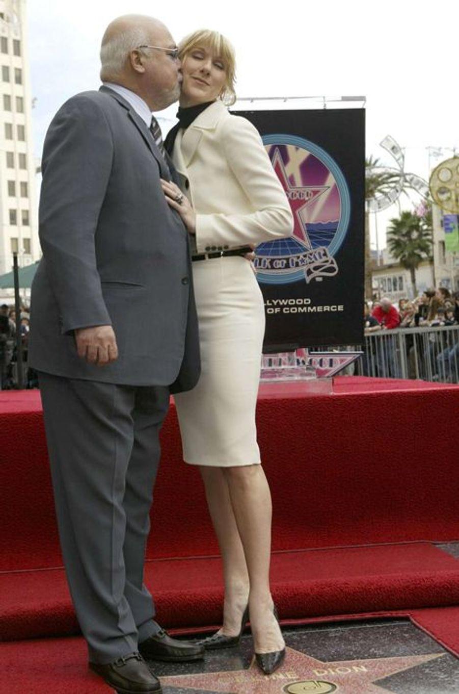 Céline devient la 2244e étoile du Walk of Fame d'Hollywood. René était bien sûr là, 6 janvier 2004