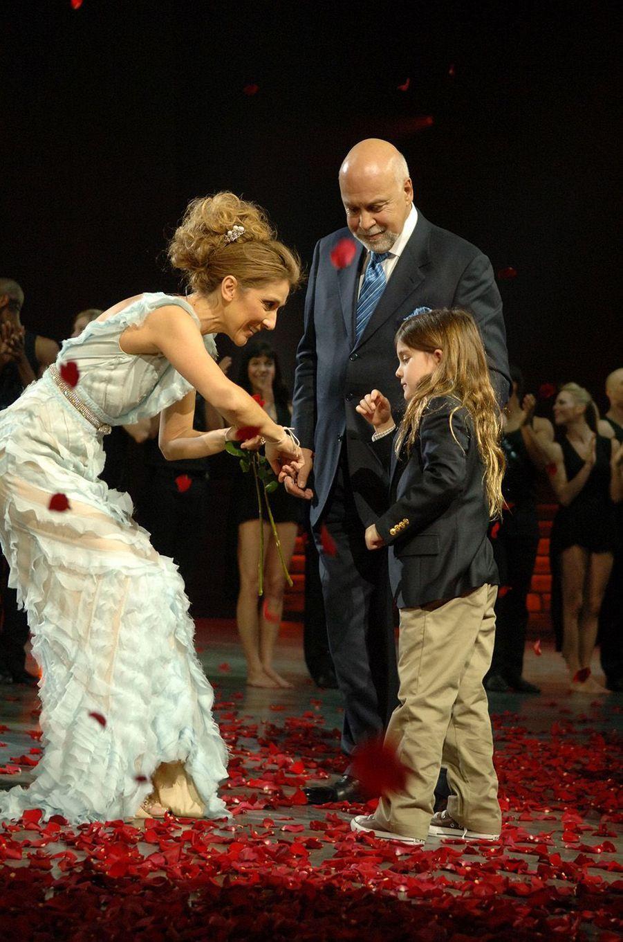 Céline Dion et René Angélil sur la scène du Colosseum de Vegas en mars 2007.