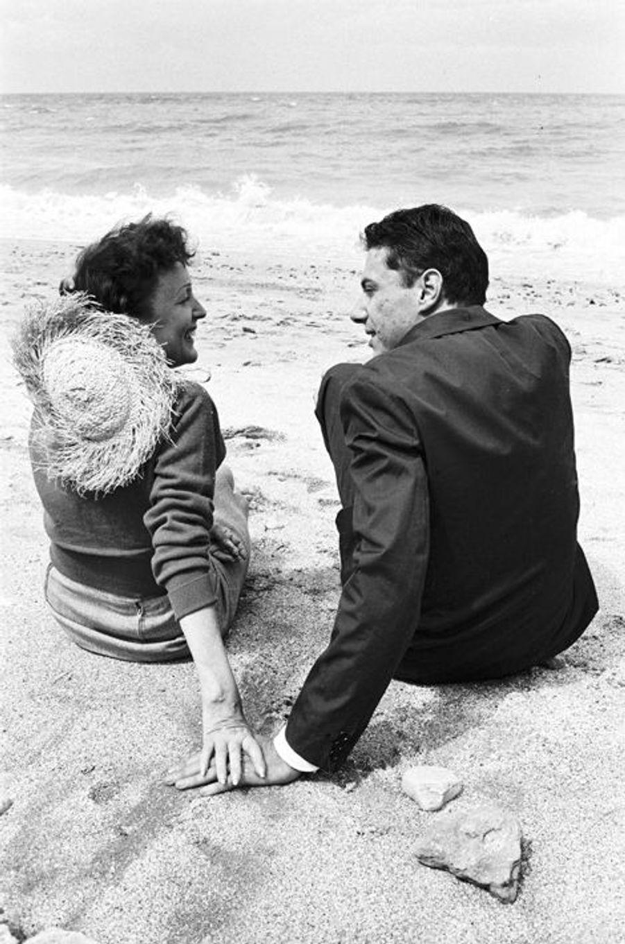 22 juillet 1958 : Edith Piaf et Georges Moustaki à Deauville