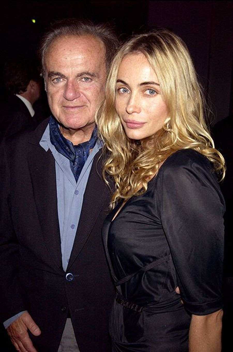 "Guy et Emmanuelle Béart à Paris en 2003. Le binôme assistait à l'événement ""Sony Dream World"" au Palais des Congrès."