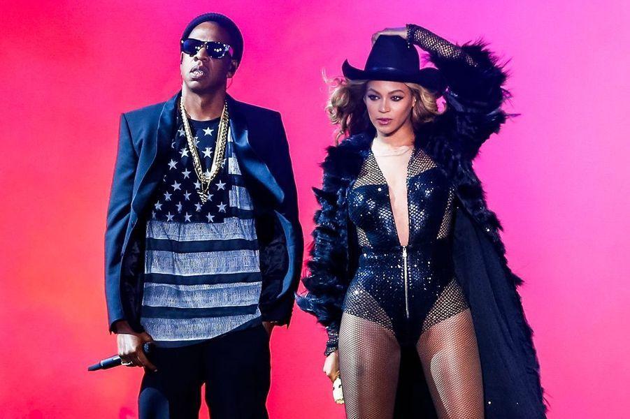 """Beyoncé et Jay Z réunis sur scène pour la tournée """"On The Run Tour"""", à Houston, juillet 2014."""