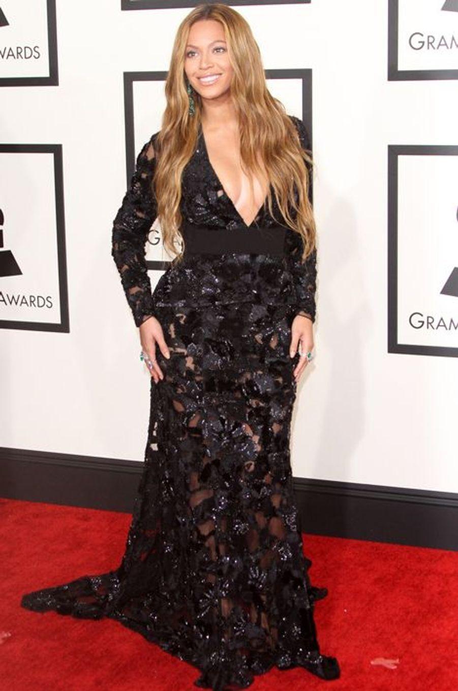 Beyoncé sur le red carpet de la 57e cérémonie des Grammy Awards, le 8 février 2015.