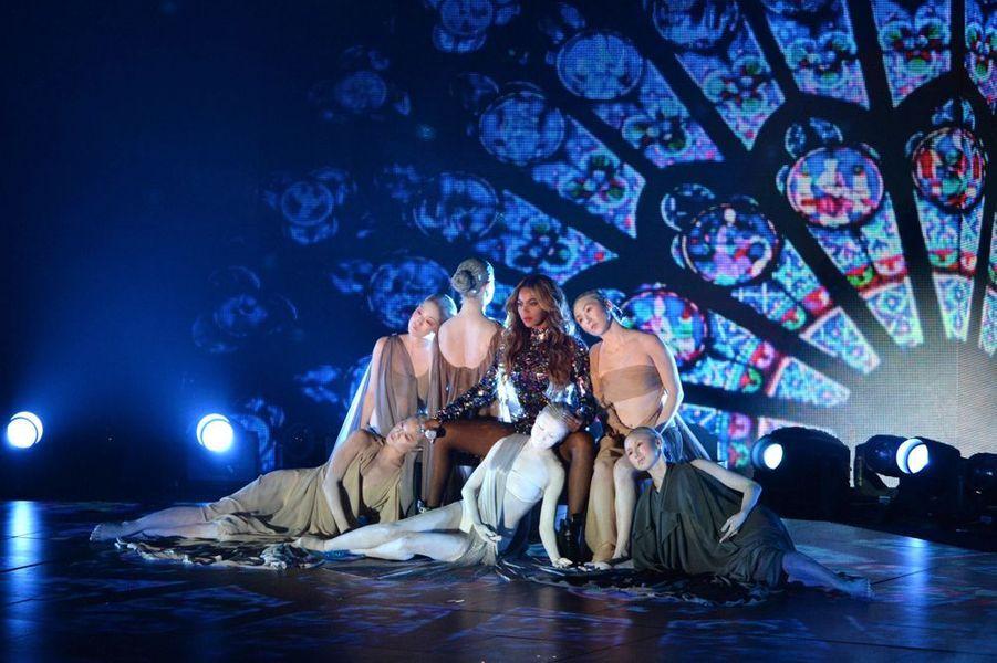 Queen B reçoit le Vanguard Award pour l'ensemble de sa carrière aux MTV VMA 2014, le 24 août 2014.