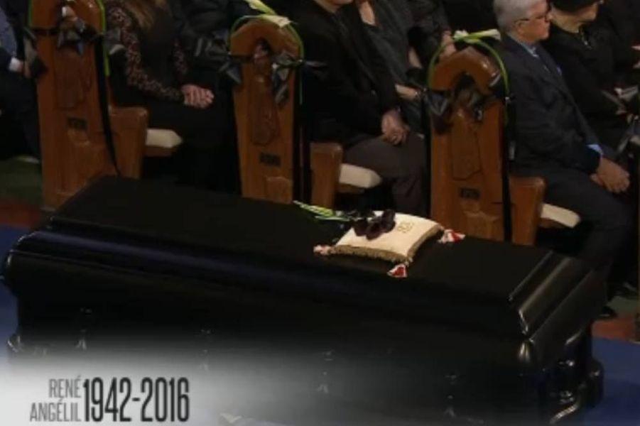 Le cercueil de René Angélil