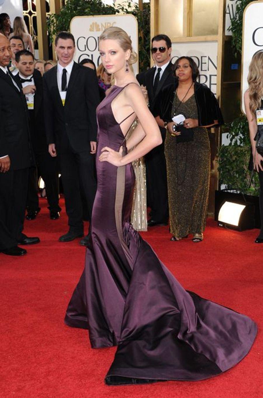 Taylor Swift en Donna Karan Atelier aux Golden Globes, en janvier 2013