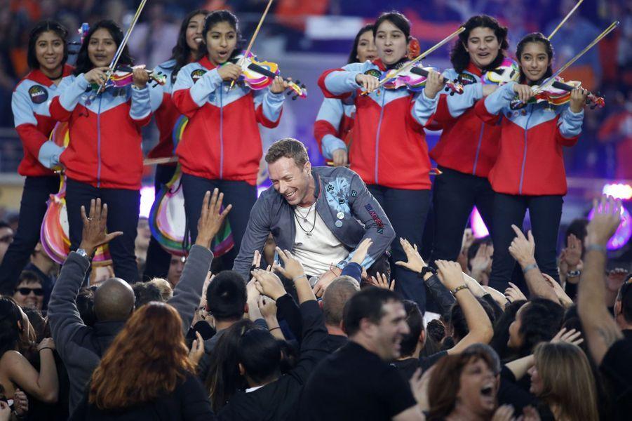 Coldplay sur scène lors de la finale du Super Bowl à Santa Clara, le 7 février 2016