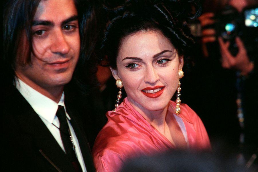 """Madonna au festival de Cannes pour """"In bed avec Madonna"""", le 13 mai 1991"""